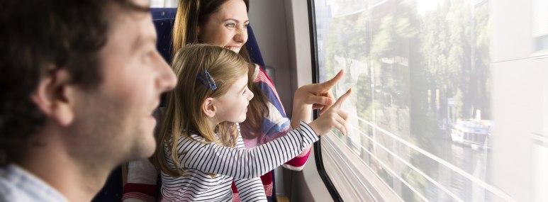 Städtereise Familienreisen Zugreise - BAHNHIT.DE, © getty, Foto: Westend61 / imagINC