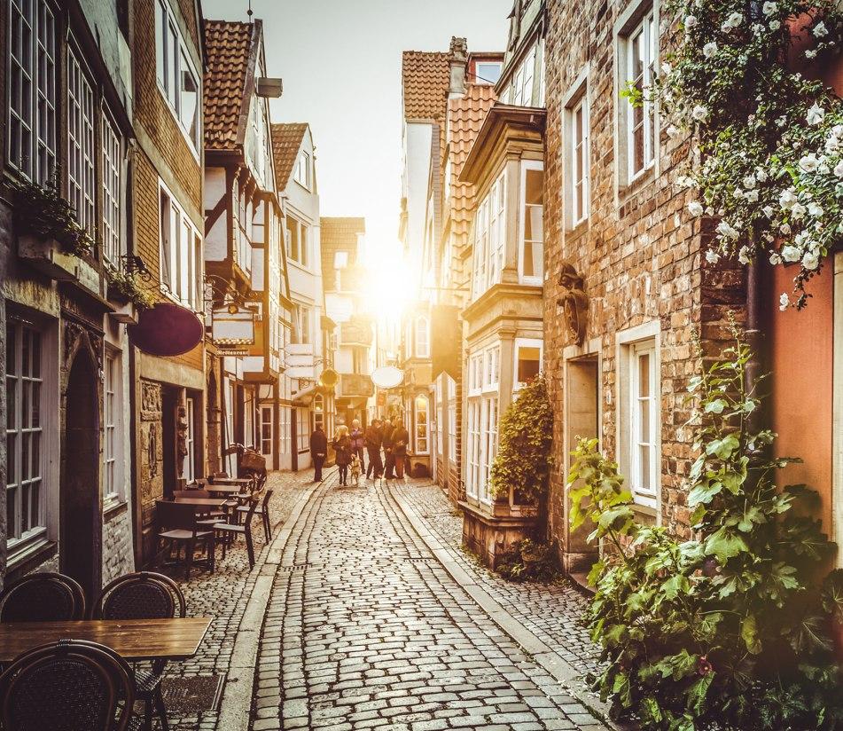 Das malerische Schnoorviertel in Bremen  - BAHNHIT.DE, © getty, Foto: JR Photography