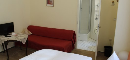 Doppelzimmer mit Bad, © Pension Brinn