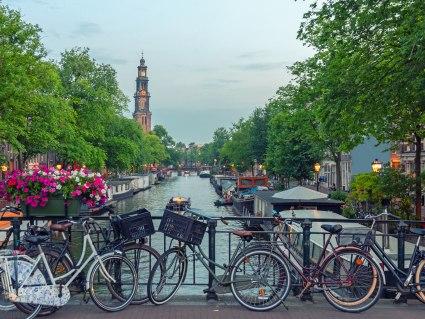 Bahnhit Amsterdam, © getty, Foto: George Pachantouris