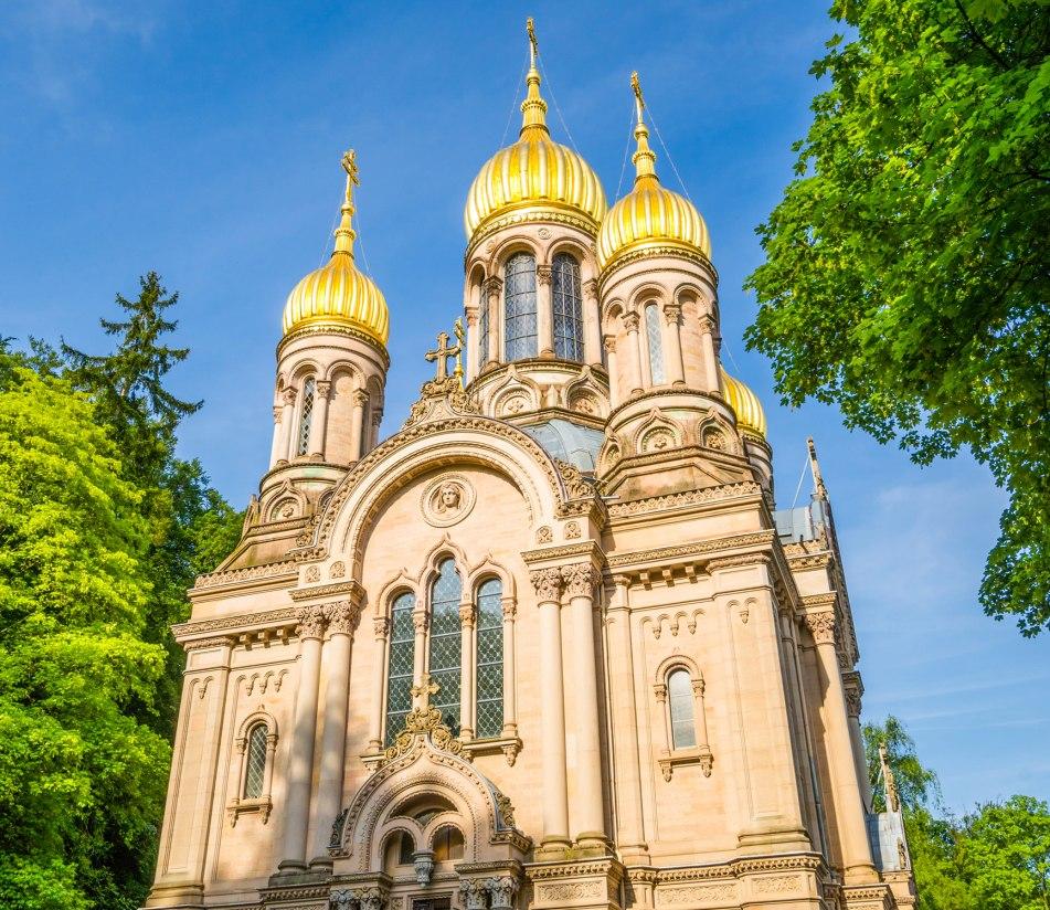 Russisch orthodoxe Kirche in Wiesbaden - BAHNHIT.DE, © getty, Foto: MissPassionPhotography