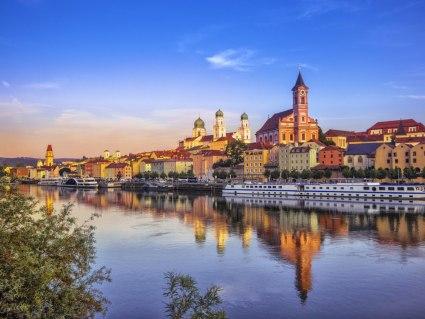 Bahn & Hotel Passau, © getty, Foto: Juergen Sack