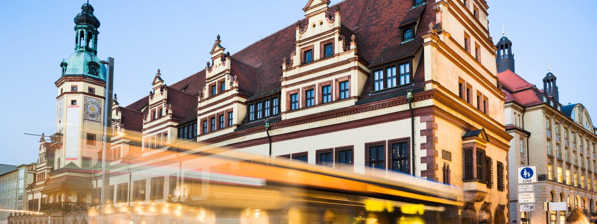 Rathaus und Naschmarkt in Leipzig - BAHNHIT.DE, © getty, Foto: TommL