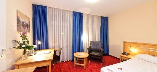 Novum Hotel Gates Doppelzimmer, © Novum Management GmbH, Foto: Sonja Wilkens