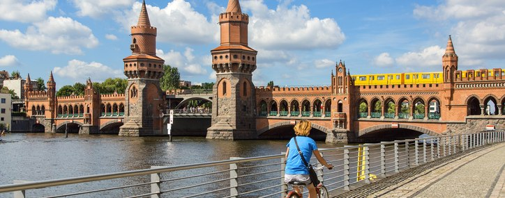 Bahnhit Deal Berlin inklusive Fahrrad, © GettyImages, Sylvain SONNET