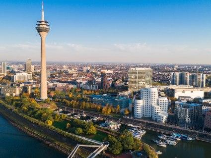 Bahnhit Düsseldorf, © jotily