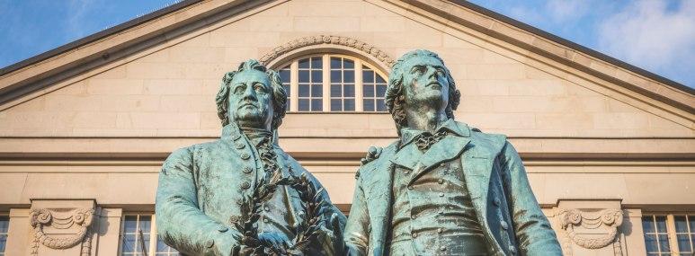 Das Goethe-Schiller-Denkmal in Weimar -BAHNHIT.DE, © Getty; Foto: Kerstin Bittner