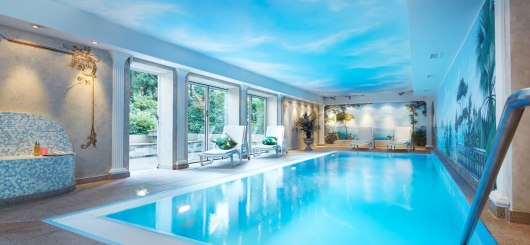 Pool, © Villa Kastania GmbH Hotel