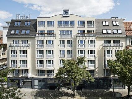 NH Berlin City Ost Außenansicht - BAHNHIT.DE, © NH Hotels