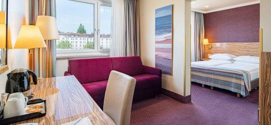 Komfort Doppelzimmer Wohnbereich, © Best Western Raphael Hotel Altona
