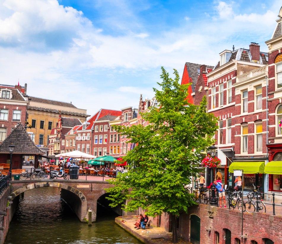 Oudegracht in Utrecht - BAHNHIT.DE, © getty, Foto: Olena Znak